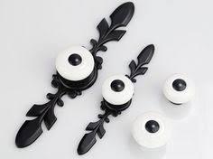 boutons et poign馥s de portes de cuisine commode boutons poignées tiroir bouton tire poignées porcelaine