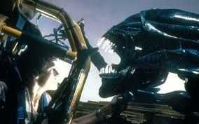 when is alien covenant set and how does it link to prometheus