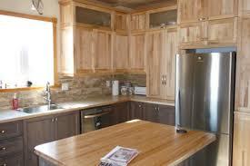 armoire de cuisine rustique cuisine en merisier rustique ébénisterie gaston chouinard