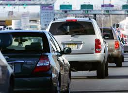 traffic wednesday before thanksgiving worsening highway traffic slows down paid express lanes pbs newshour
