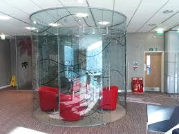 glass frameless office partitioning
