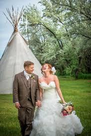gorgeous backyard wedding in spite of rain truly engaging wedding