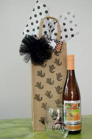 wine bottle halloween diy halloween hostess gift wine tote free printable