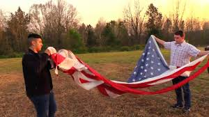 How To Dispose Of Old Flags Burning The American Flag In A Respectful Way Youtube
