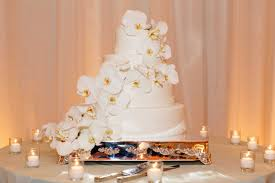 Orchid Decorations For Weddings Wedding Cakes 20 Ways To Decorate With Fresh Flowers Inside