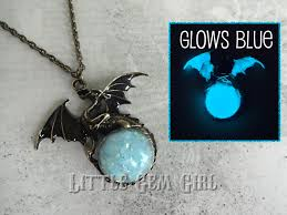 glow in the necklaces glowing necklace w glow in