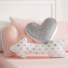 Huge Pillow Bed Best 25 Big Pillows Ideas On Pinterest Fluffy White Bedding