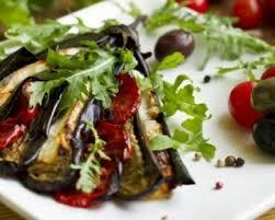 cuisiner les aubergines au four recette de aubergine tomate et mozzarella rôties au four