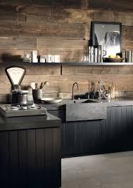 wandverkleidung k che arbeitsplatte corian küche dupont rustikal modern wandverkleidung