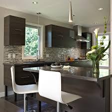 cuisine armoire brune urbain maison