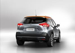 nissan kicks 2017 blue nissan kicks debuts as global cuv to compete with honda hr v