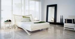 chambre rotin meubles en rotin commode fauteuil tressé et décoration en rotin