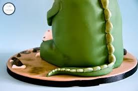 dinosaur cake cake o saurus dinosaur cake tutorial crumbs and corkscrews