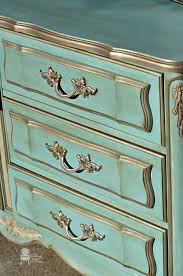 learn chalk paint color recipes in this furniture painting post