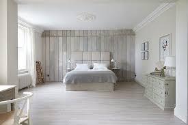 chambre lambris bois lambris bois blanc inviter le style cagne chic à la maison