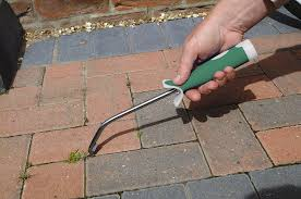 How To Clean Paver Patio by Amazon Com Bosmere P820 Deck And Paving Weed Tool Hand Weeders