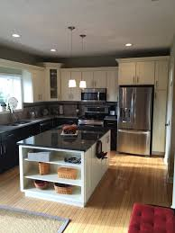 10x10 kitchen layout ideas centered island in a standard 10x10 kitchen this kitchen is