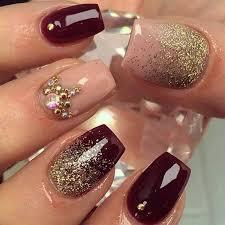 imagenes de uñas acrilicas con pedreria 20 elegantes ideas para diseñar tus uñas con un color ciruela es