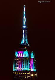 empire state building lights tonight esb gets festive for the holiday inga s angle