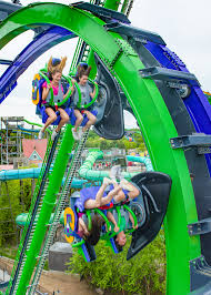 Six Flags Opening Day The Joker 4d Free Fly Coaster Six Flags New England