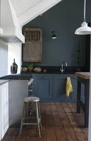 repeindre une cuisine en bois comment repeindre une cuisine idées en photos repeindre meuble