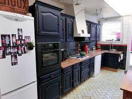 repeindre les murs de sa cuisine repeindre sa cuisine en noir 4 lzzy co avec cuisine mur noir idees
