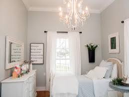 Schlafzimmer Romantische Harmonie M El Photos Hgtv U0027s Fixer Upper With Chip And Joanna Gaines Hgtv