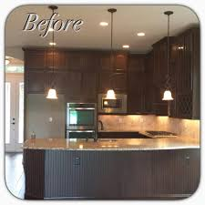 glaze finish kitchen cabinets kitchen cabinets highlighted in van brown glaze effects