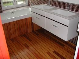 parquet pont de bateau habillage baignoire sur plancher bois u2013 mzaol com