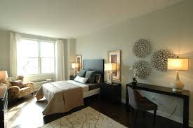 Decorate Modern Bedroom Wall Decor