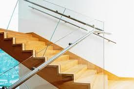 treppe zum dachboden treppen geländer fenster fabrik24