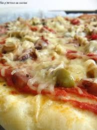 jeux de cuisine de pizza au chocolat recette de pizza aux saucisses poivrons et olives vertes la