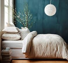 deco chambre peinture murale 1001 idées pour une chambre bleu canard pétrole et paon sublime