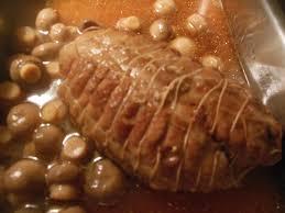 cuisiner le veau en cocotte rôti de veau en cocotte aux chignons le de lylyratatouille