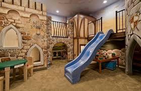 kinderzimmer rutsche untergeschoss spielraum kinderzimmer gestalten spielzeug rutsche
