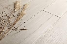 Laminate Flooring Fresno Kaindl Laminate Natural Touch 10 0 Narrow Plank Hickory Fresno