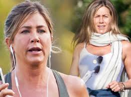 aniston mariage aniston s packed on nearly 50 pounds amid marriage