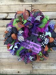 Halloween Wreaths Using Deco Mesh by Halloween Wreath Halloween Door Wreath Welcome My Pretties