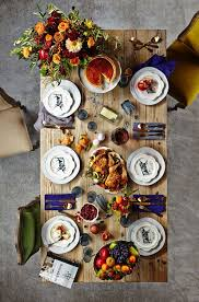 picks a colorful thanksgiving table
