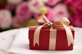 wedding presents how much to spend on wedding gifts smartasset