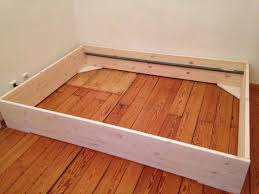 Schlafzimmer Bett Selber Bauen Funvit Com Küche Weis Mit Holz Arbeitsplatte