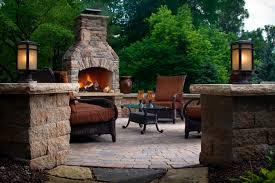 Belgard Fire Pit by Choosing A Fire Feature Outdoor Living By Belgard