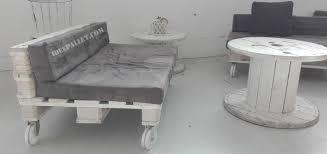 divanetti bar pallet diy idee per divanetti e zona bar