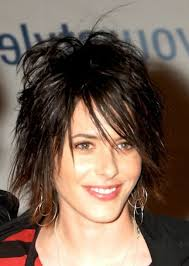 messy shaggy hairstyles for women short choppy layered hairstyles