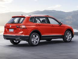 volkswagen tiguan 2016 red vw u0027s tiguan suv is now bigger for america business insider
