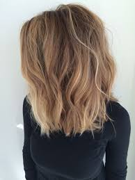 cute shoulder length haircuts longer in front and shorter in back best 25 shoulder length waves ideas on pinterest chopped
