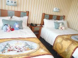 chambre hotel york disney nos lits spécials déco de noël picture of disney s hotel