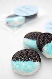 make these diy chocolate dipped oreos for easy baby shower favours