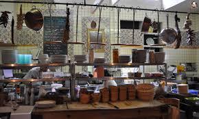 restaurant cuisine ouverte cuisine restaurant chefs de mouvement duune cuisine de