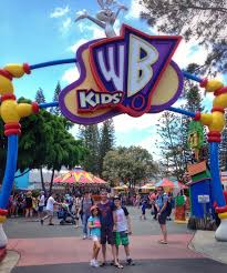 theme park deals gold coast the do s and don ts of a gold coast holiday